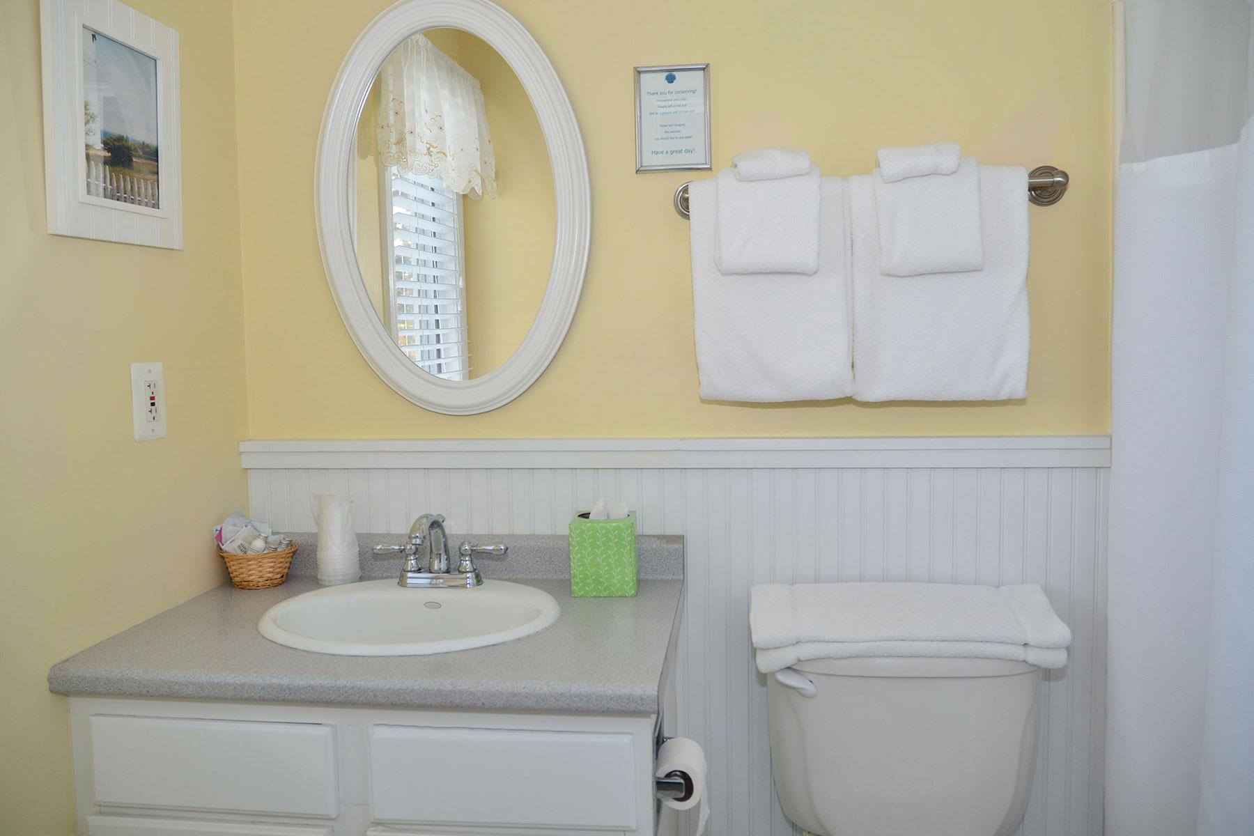 Double Queen Bath Room